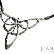 Pohjantähti | hopea 925, valkokulta 750, patina, mustat ja kirkkaat timantit | kaulakoru