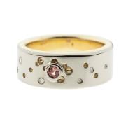 Dimple | Kelta- ja valkokulta 585, timantit ja safiiri | Vihkisormus