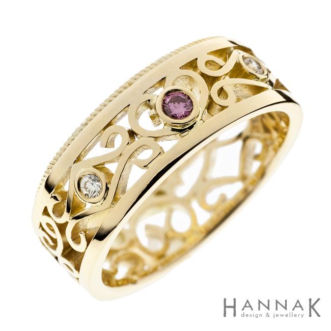 Pitsi | Kulta 585, safiiri, timantit | Vihkisormus